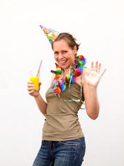 Frau bei der Geburtstagsfeier