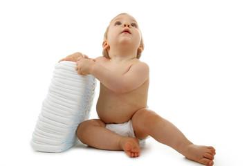 bébé et tas de couches
