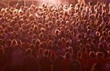 foule gens concert spectacle fan tête debout attente musique fes poster