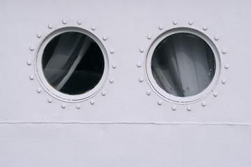 Porthole ship