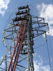 Torre media tension con bobinas vista inferior