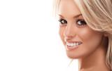 Uśmiechnięta blondynka - 25209202