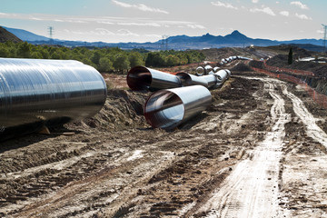 obras de construcción de tuberías para transvase