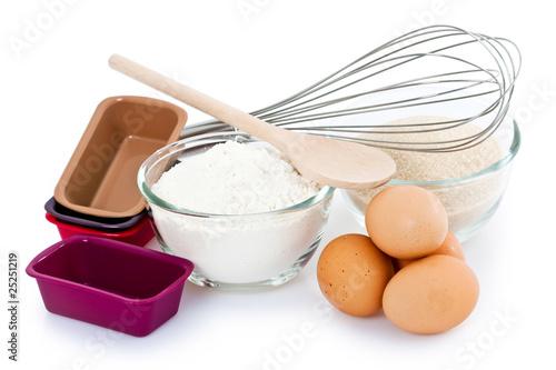 Ingr dients et ustensiles pour p tisserie photo libre de for Ustensiles pour cuisiner