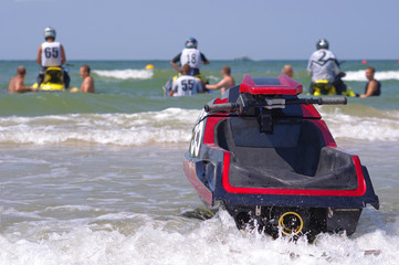 Water motorcycles competition, preparing to the start
