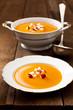 Kürbissuppe mit Apfelstücken