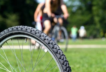 Fahrrad im Park III