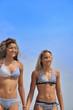 Vacances de jeunes filles au bord de la mer