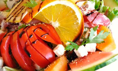 Salade d'été colorée