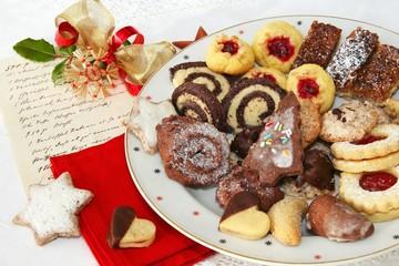 Oma's Weihnachtsplätzchen - Grandma's Christmas Cookies