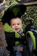 Enfant dans un sac à dos