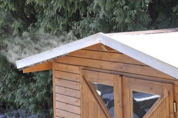 schneebedecktes Dach