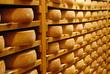fromage en affinage - 25390073