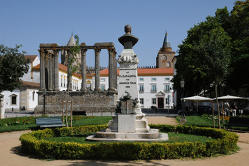 Portugal, temple romain à Evora