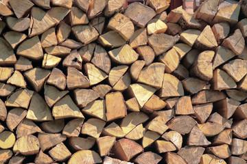 brennholz, geschichtet, gestapelt