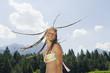 Italien, Südtirol, Mädchen Teenager mit Dreadlocks, Lächeln, Portrait