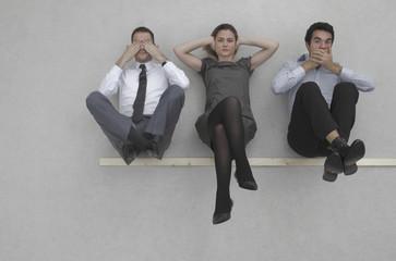 Drei Geschäftsleute, nichts sehen, nichts hören, nichts sagen