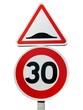Panneaux de danger et limitation de vitesse
