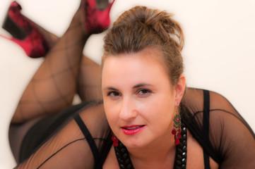 Junge erotische korpulente Frau