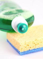 Liquide vaisselle et éponge #1