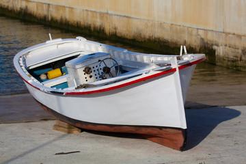 Barco en Figueras, Asturias, España
