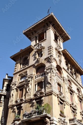 Palazzo in stile liberty immagini e fotografie royalty for Palazzo in stile messicano