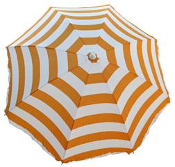 parasol de plage avec bandes orange et blanches, fond blanc