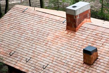Dach mit Holzschindeln