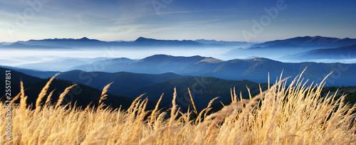 Zdjęcia na płótnie, fototapety na wymiar, obrazy na ścianę : autumn in mountain