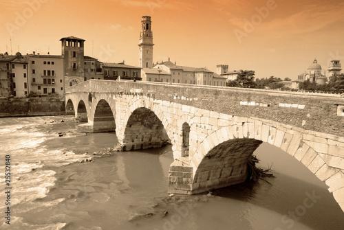 pont de pierre à vérone