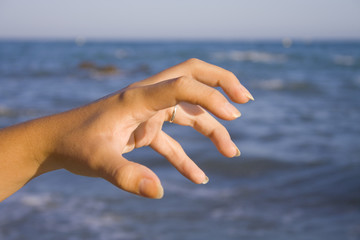Garra con los dedos