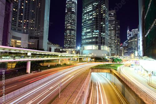 ruch-przez-centrum-w-hongkongu