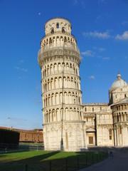 Schiefer Turm von Pisa ohne Touristen