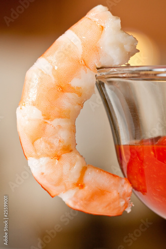 Boiled Shrimp with red cocktail sauce - no tails