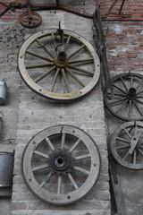 ruota carro antico