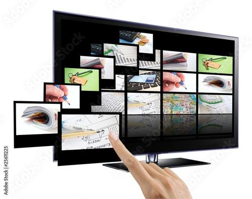 3D interactive TV - 25611225