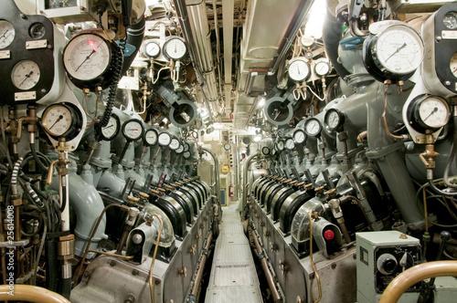 Leinwanddruck Bild Submarie diesel engine