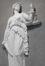 justiça estátua