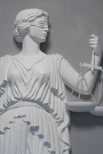 rechtvaardigheid standbeeld