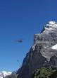 Hubschrauber vor Eiger-Nordwand