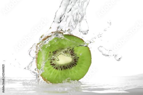water splash in kiwi fruit