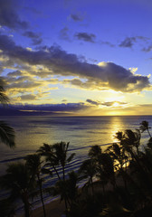 pacific sunset at kaanapali beach on maui in hawaii
