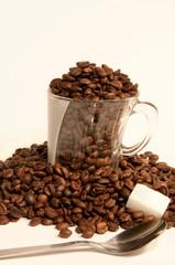 tasse et grains de café 2
