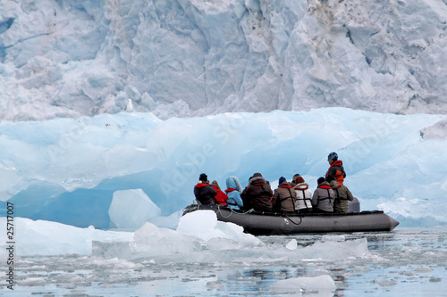 Leinwandbild Motiv zodiac_cruise_glacier_1103