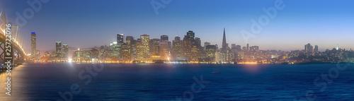 Papiers peints San Francisco High Resolution panoramo of the San Francisco skyline at dusk