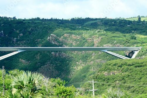 pont métallique, route des Tamarins, île de la Réunion