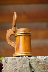Decorative wood pint