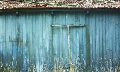 Blaue Holzhütte