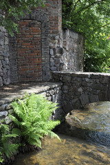 Petit pont enjambant la rivière Weiss à Kaysersberg