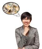 Krásna žena s multietnickej myslenia Bubbles peňazí Komíny